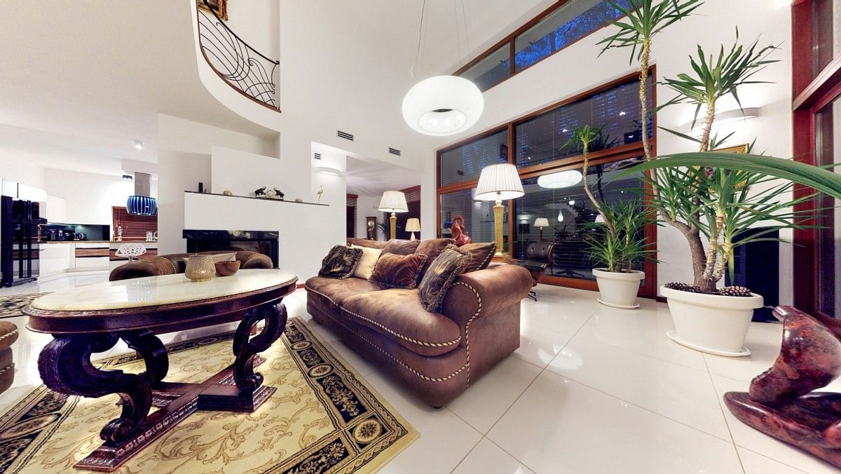 Dom 5 pokojowe na Sprzedaż