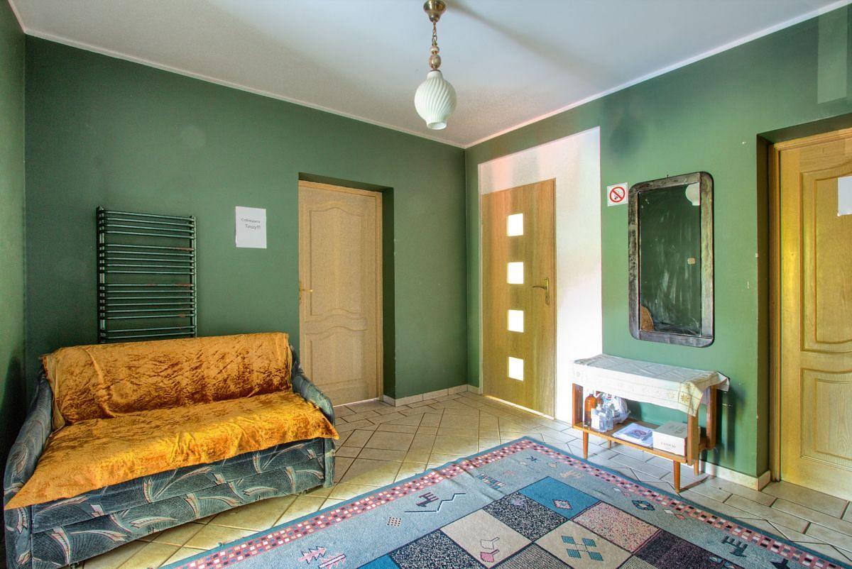 Dom 13 pokojowe na Sprzedaż