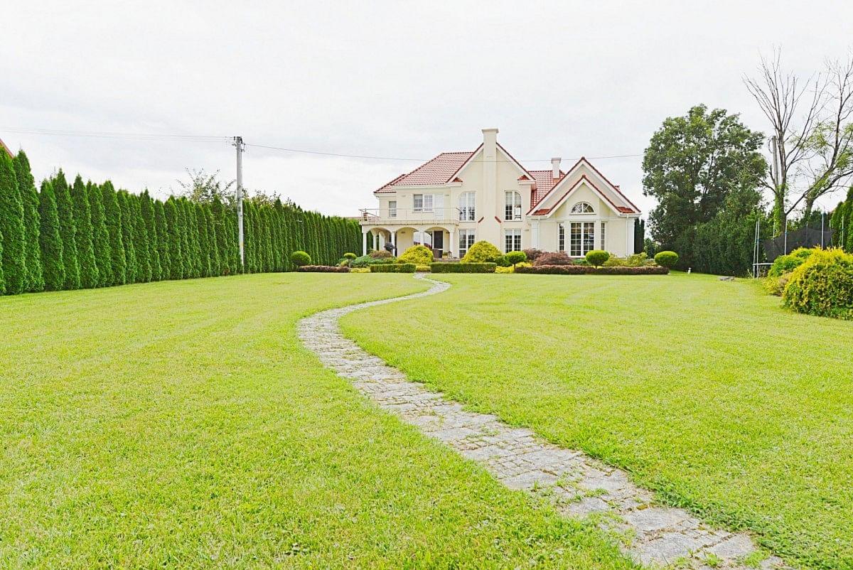 Dom 7 pokojowe na Sprzedaż