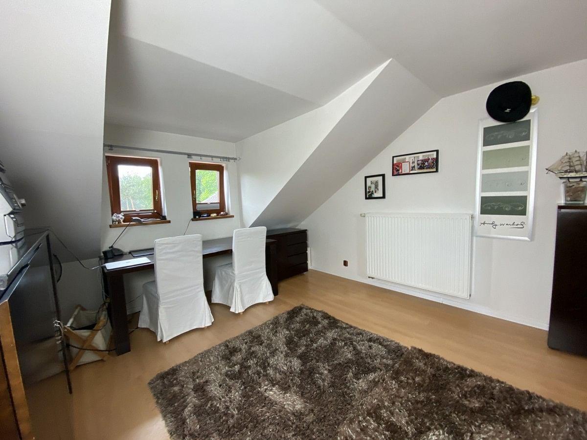 Dom 8 pokojowe na Sprzedaż